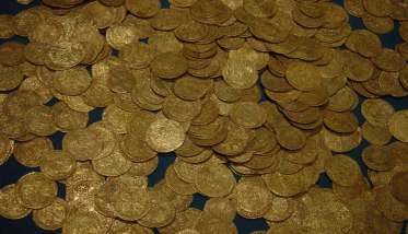 hoard_of_ancient_gold_coins-1